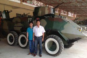 Nông dân Việt 'chế' máy bay, tàu ngầm khiến chuyên gia nước ngoài 'ngả mũ'