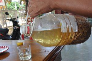 Nghệ An: 3 người chết, 1 nguy kịch sau khi uống rượu ngâm rễ cây