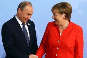 Ông Vladimir Putin hé lộ bí quyết luôn 'ngầu' trong mọi tình huống