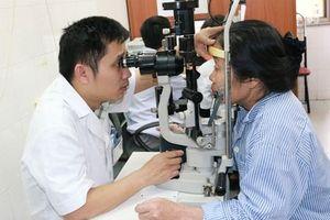Lạm dụng thuốc nhỏ mắt dẫn đến mắc bệnh glôcôm