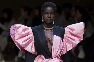 10 siêu mẫu trẻ sáng giá đang chiếm lĩnh sàn thời trang quốc tế