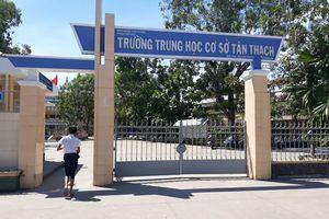 Bến Tre: Đình chỉ học trong một năm đối với nam sinh bóp cổ cô giáo