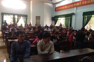 Vụ giáo viên bị mất việc ở Đắk Lắk: Một hiệu trưởng bị tố nhận tiền chạy việc