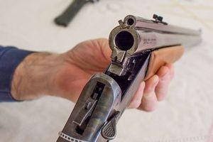 Bi hài phiên xử 'thợ săn' bốn tháng mày mò tự chế súng