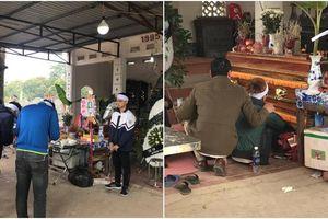 Chồng sắp cưới chết lặng trong đám tang cô gái trẻ bị xe bồn cán tử vong