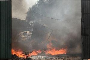 Cháy lớn tại xưởng phế liệu, hàng trăm học sinh phải di tản