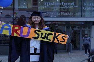 Nữ sinh đòi trường đại học bồi thường hơn 2,3 tỷ vì... thất nghiệp