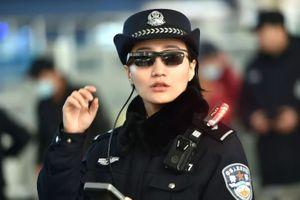 Cảnh sát Trung Quốc dùng kính thông minh nhận dạng tội phạm