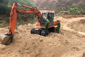 Lập biên bản 5 đối tượng khai thác cát trái phép