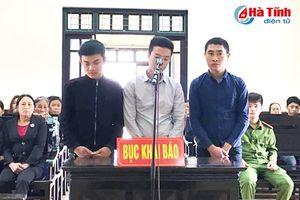 Xử nhóm côn đồ uy hiếp chủ quán đòi tiền 'bảo kê' tại Cẩm Xuyên