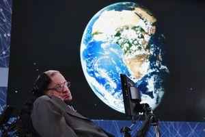 Stephen Hawking đã về với các vì sao