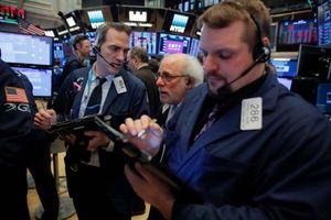 Chỉ số Dow Jones 'bốc hơi' gần 250 điểm vì lo ngại chiến tranh thương mại