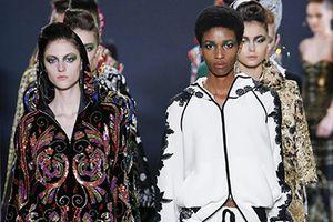Người mẫu da màu ngày càng được tôn trọng trên sàn diễn thời trang