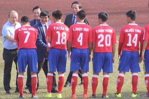 HLV Park Hang-seo 'xem giò' cầu thủ U19 trên sân Tự Do