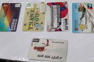 Khám phá nhóm đối tượng nước ngoài làm giả thẻ ATM để trộm tiền