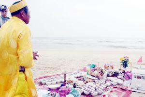 Lễ giỗ bên bờ biển