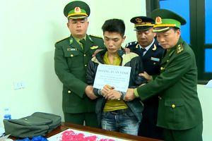 Bắt đối tượng vận chuyển 3.200 viên ma túy tổng hợp từ Lào về Việt Nam