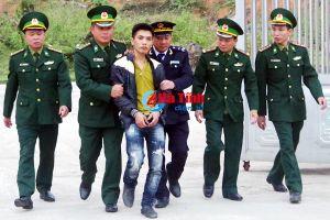 Người đàn ông vận chuyển 3.200 viên ma túy tổng hợp từ Lào về Việt Nam