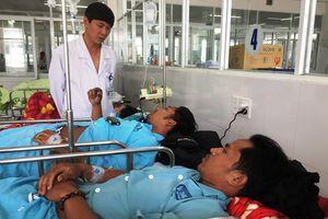 Quảng Nam: Thêm 9 người nhập viện nghi do ngộ độc rượu