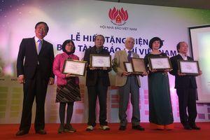 Bảo tàng Báo chí Việt Nam tiếp nhận nhiều hiện vật có giá trị