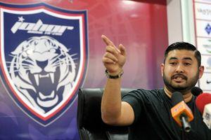 Tuyển quốc gia tụt hạng, Chủ tịch Liên đoàn Bóng đá Malaysia từ chức
