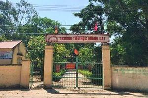 Thanh Hóa: Phụ huynh bức xúc tố nhà trường bán sách giá 'cắt cổ' cho học sinh