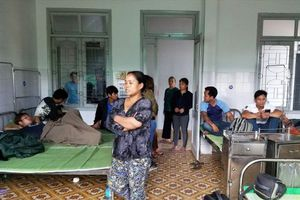 Quảng Nam: Hàng chục người vào viện kiểm tra sức khỏe do nghi ngộ độc rượu
