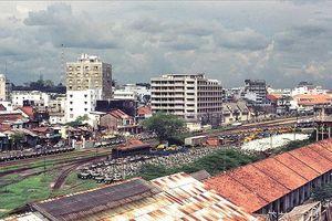 Người Sài Gòn đi xe lửa Mỹ