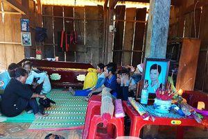 Tang thương làng Pà Păng nghi do ngộ độc rượu!