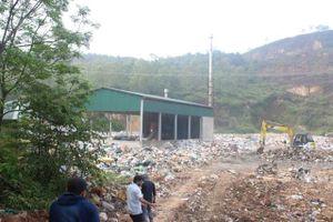 Hà Tĩnh: Hàng chục người dân chặn xe chở rác vì bãi rác gây ô nhiễm