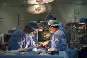 Cứu sống 2 người bị bệnh van tim bằng cách thay động mạch