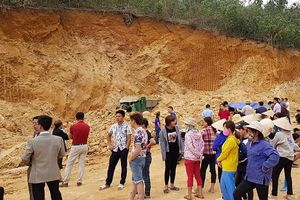 Vụ 1 người tử vong ở núi Yên Ngựa: Đình chỉ khai thác đất trên toàn xã