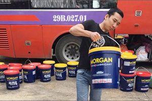 Phát hiện hơn 2.000 lít dầu nhớt không rõ nguồn gốc dưới cốp xe khách