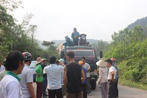Hà Tĩnh: 'Họp khẩn' vụ dân ra tỉnh lộ chặn xe chở rác
