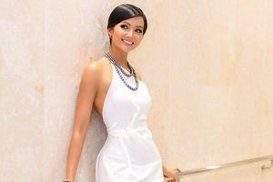 Top 3 Hoa hậu Hoàn vũ Việt Nam quyến rũ với trang sức ngọc trai