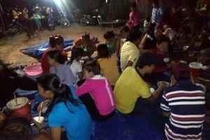 Vụ dân chặn xe vào trại heo: Dời đàn heo hoặc giải thể