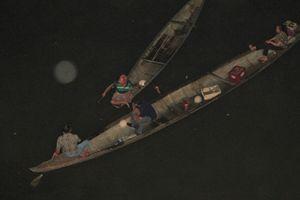Huế: Người thân trắng đêm tìm con dâu nhảy sông mất tích