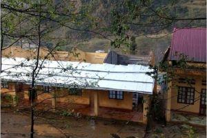 Giông lốc bất thường ở Lào Cai, gần 200 nhà dân hư hại