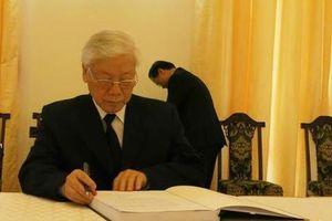 Xúc động lời tri ân trong sổ tang viếng nguyên Thủ tướng Phan Văn Khải