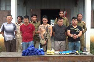 Bắt 5 người Lào buôn ma túy xuyên quốc gia