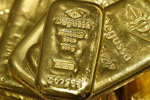 Giá vàng bật tăng khi chứng khoán Mỹ lao dốc