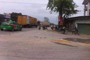 Nữ sinh 18 tuổi chết thảm dưới gầm xe tải trên đường đi học về