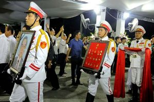 Gần 1.000 đoàn đến viếng nguyên Thủ tướng Phan Văn Khải