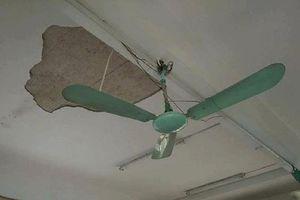 Sập trần nhà tại trường, 3 học sinh bị thương 