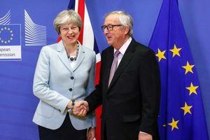 Đàm phán Brexit: Những bước 'vượt vũ môn' của Thủ tướng May