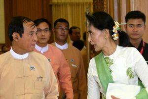 Myanmar: Thêm một nhân vật thân cận với bà Suu Kyi từ chức