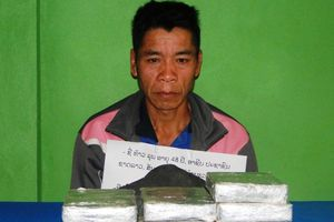 Mang 10 bánh heroin từ Lào vượt biên giới sang Nghệ An tiêu thụ