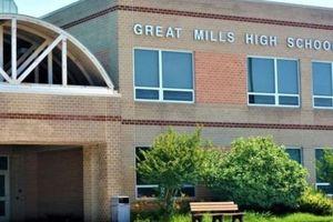 Hoa Kỳ: Xả súng trong trường và bom thư hàng loạt gây chấn động