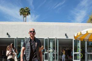 Amazon chính thức trở thành công ty lớn thứ 2 thế giới, sắp sửa 'soán ngôi' Apple?