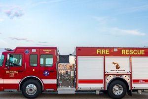 Xe cứu hỏa trên thế giới có được phép đi ngược chiều khi làm nhiệm vụ?